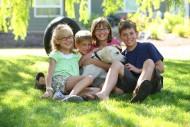 Wniosek o zasiłek rodzinny składa sie w urzędzie gminy.