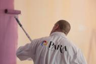 Zniszczone pomieszczenia zyskają świeżość dzięki odmalowaniu ścian i sufitów. Fot. PARA Paints