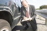 Opony samochodowe niszczą się zarówno w czasie jazdy, jak i podczas długotrwałych postojów. Fot. Newspress